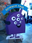 Wielooki reklamuje Science Fair
