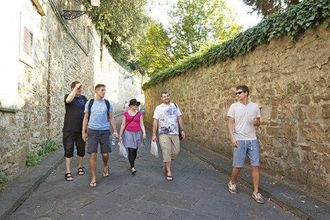 Zwiedzanie Florencji, od lewej: Marek Stępień, Zbigniew Braniecki, Sara Prussak, Bartosz Piec, Staś Małolepszy